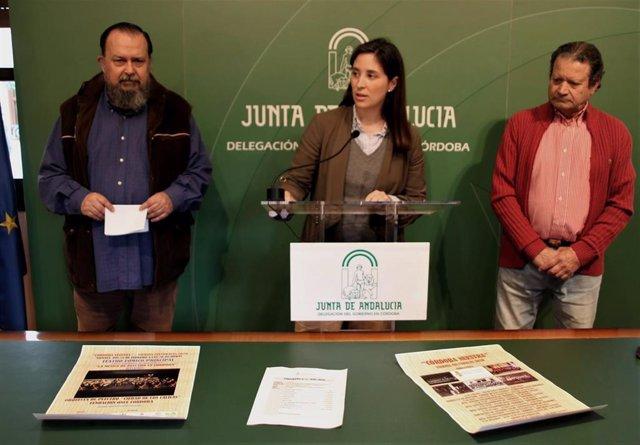 Casanueva (centro) presenta los 'Viernes Culturales' del Centro Filarmónico