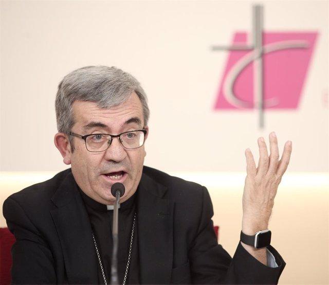 El secretario general y portavoz de la Conferencia Episcopal Española, Luis Argüello.