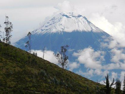 Señales de potencial colapso en un volcán activo de Ecuador