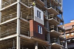 Bloc d'habitatges en construcció a València.