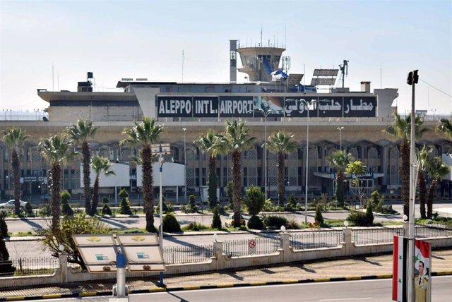 Entrada principal del aeropuerto de Alepo