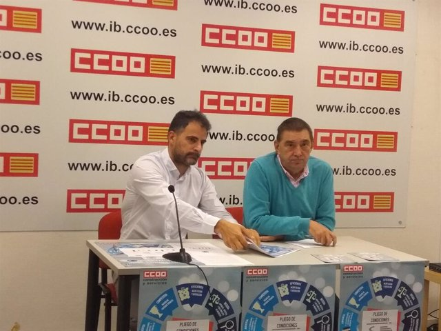 Vicente Sánchez y Miguel Pardo, de la Federación de Construcción y Servicios de CCOO.