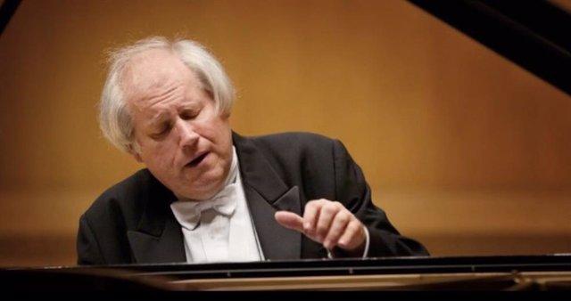 Nota/El Auditorio Regional Acoge El Sábado U N Concierto Del Pianista Grigori Sokolov