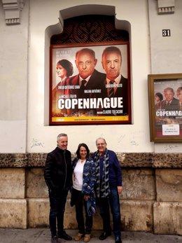 Carlos Hipólito, Malena Gutiérrez Y  Emilio Gutiérrez Caba en el Teatre Talia de  València