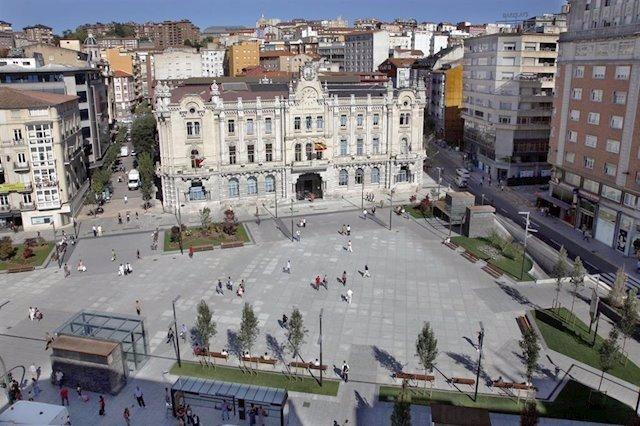 Edificio y plaza del Ayuntamiento de Santande