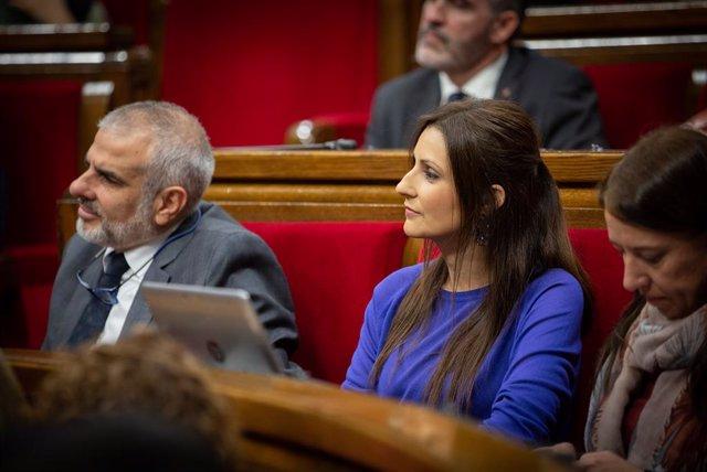 El president de Ciutadans al Parlament, Carlos Carrizosa i la portaveu de Ciutadans al Parlament, Lorena Roldán, durant una sessió plenària al Parlament de Catalunya, Barcelona (Espanya), 12 de febrer del 2020.