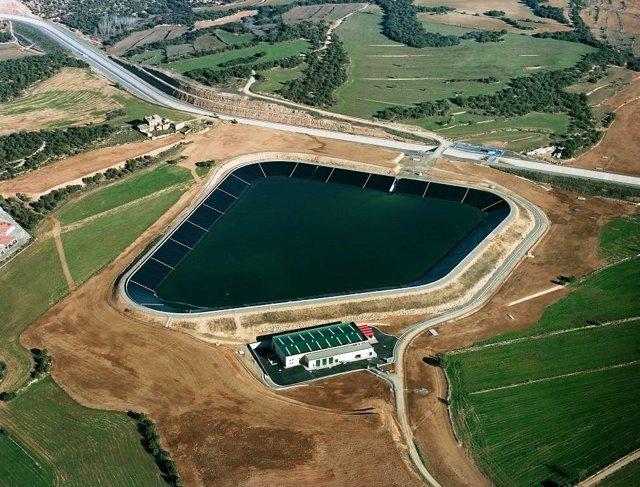 El canal Segarra-Garrigues a la alçada de Torrefeta i Florejacs, l'any 2014.