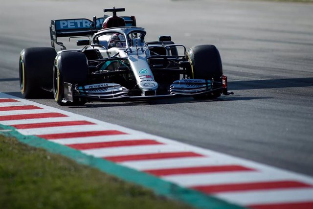 Lewis Hamilton of Mercedes AMG in action during the Winter Test 1 of Formula One World Championship celebrated at Circuit de Barcelona on January 19, 2020 in Montmelo, Spain.