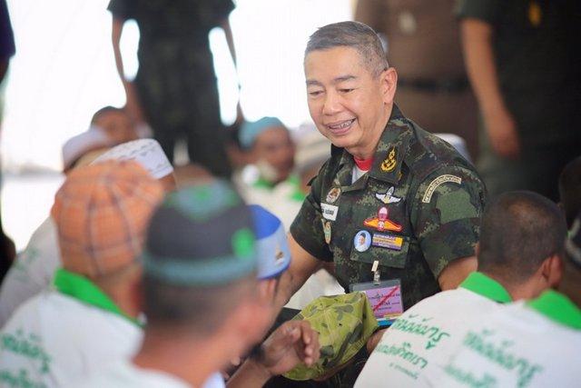 El jefe de Estado Mayor del Ejército de Tailandia, el general Apirot Kongsompong