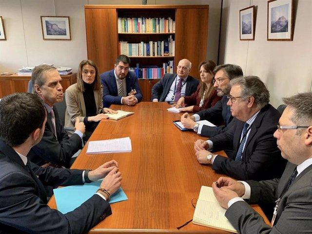 Imagen de la delegación del PP de Álava, encabezada por Iñaki Oyarzánbal, durante la reunión con representantes institucionales europeos en Bruselas