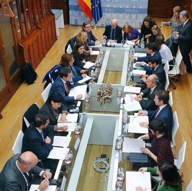 El ministro de Justicia, Juan Carlos Campo, se reúne con las asociaciones de jueces y fiscales