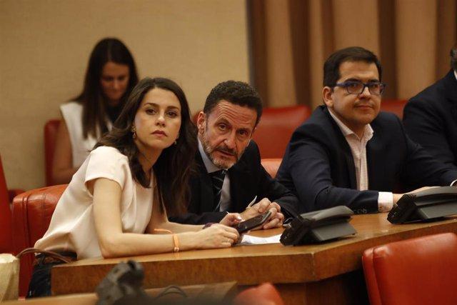 La portavoz de Ciudadanos en el Congreso, Inés Arrimadas, el portavoz adjunto, Edmundo Bal, y el secretario general del grupo parlamentario, José María Espejo-Saavedra.