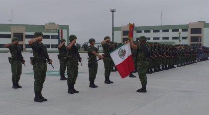 """México.- El presidente de México agradece al Ejército por """"dar la espalda a la traición y al golpismo"""""""