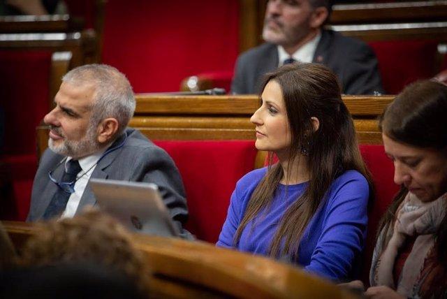 Lorena Roldán durant una sessió de control del ple del Parlament (Arxiu)