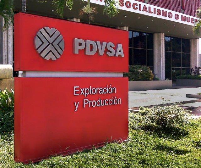Entrada De La Sede De PDVSA Ubicada En La Avenida 5 De Julio En Maracaibo