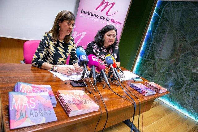 El directora del Instituto de la Mujer de C-LM, Pilar Callado, presenta dos guías de lenguaje inclusivo