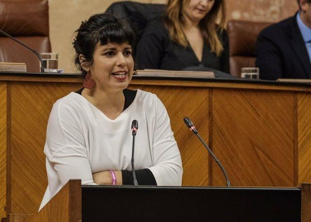 La presidenta del grupo parlamentario de Adelante Andalucía, Teresa Rodríguez, en el Pleno del Parlamento.