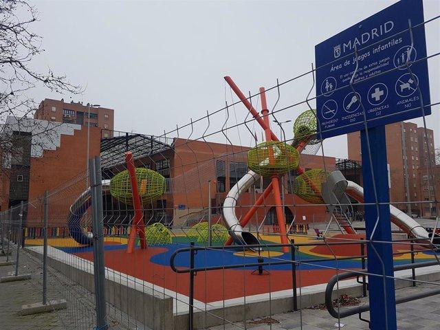 Parque infantil del Pozo del Tío Raimundo, en Vallecas.