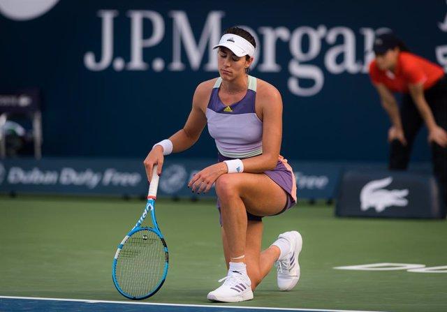 Tenis.- La estadounidense Brady remonta y deja a Muguruza sin semifinales en Dub