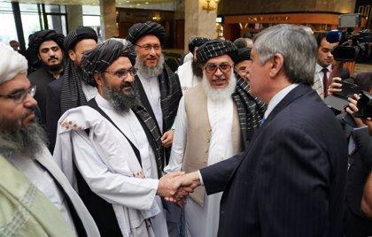 """Los talibán aseguran que están """"totalmente comprometidos"""" a respetar el acuerdo de paz con EEUU en Afganistán"""