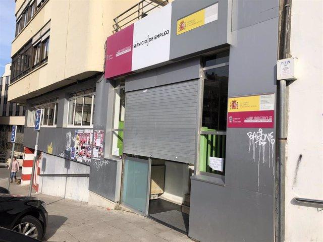 Oficina de empleo del EMCAN en la calle Isaac Peral de Santander que se va a reformar