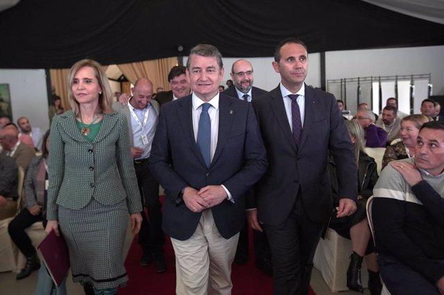 El viceconsejero de la Presidencia, Administración Pública e Interior, Antonio Sanz, durante el IX Congreso provincial del CSIF en Huelva