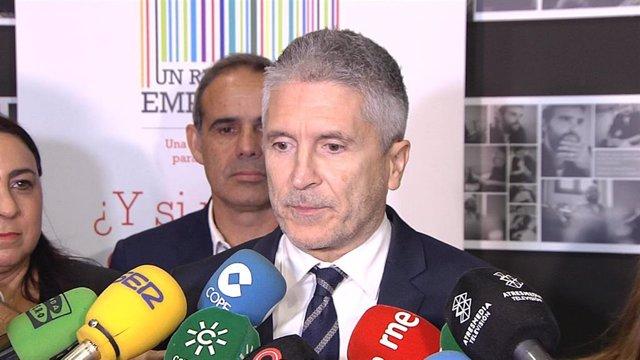 Marlaska atiende a la prensa en Cádiz