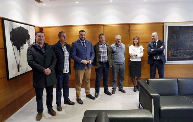 Reunión de Adrián Barbón con alcaldes del Valle del Navia