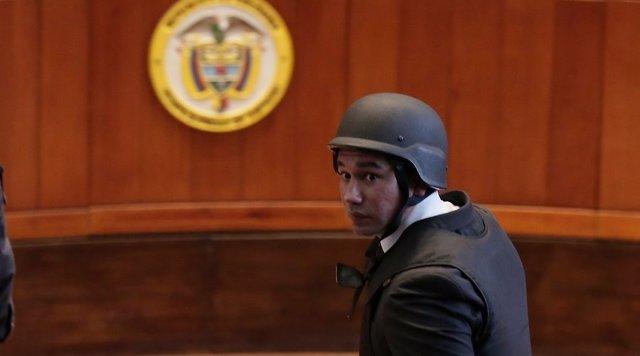 Un miembro de las fuerzas de seguridad en el Tribunal Supremo de Colombia.