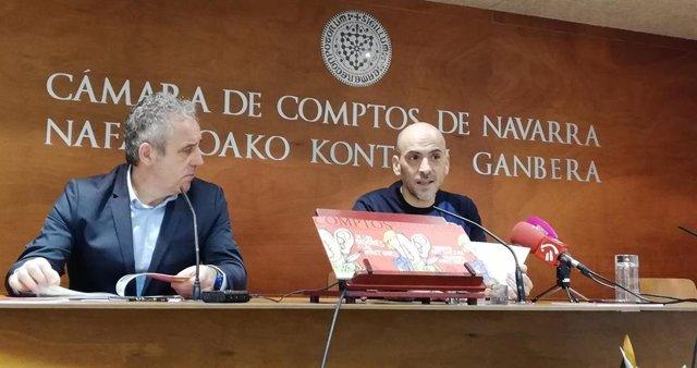 Fermín Erbiti y César Oroz en la presentación del cómic 'De los oidores a los auditores'