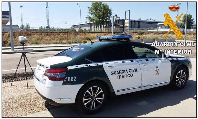 Imagen de uno de los controles de velocidad de la Guardia Civil en Salamanca.