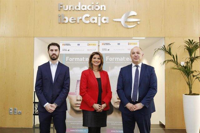 El vicepresidente de Tecnara y director de Innovación en ELT, Diego Orta; la jefa de Desarrollo Profesional de Fundación Ibercaja, Mayte Santos y director comercial de Medios Regionales de Bluemedia, Sergio Muñoz