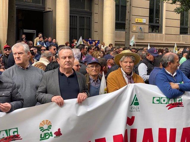 El secretario general de CCOO Región de Murcia, Santiago Navarro, en la manifestación convocada por el sector agrario en Murcia