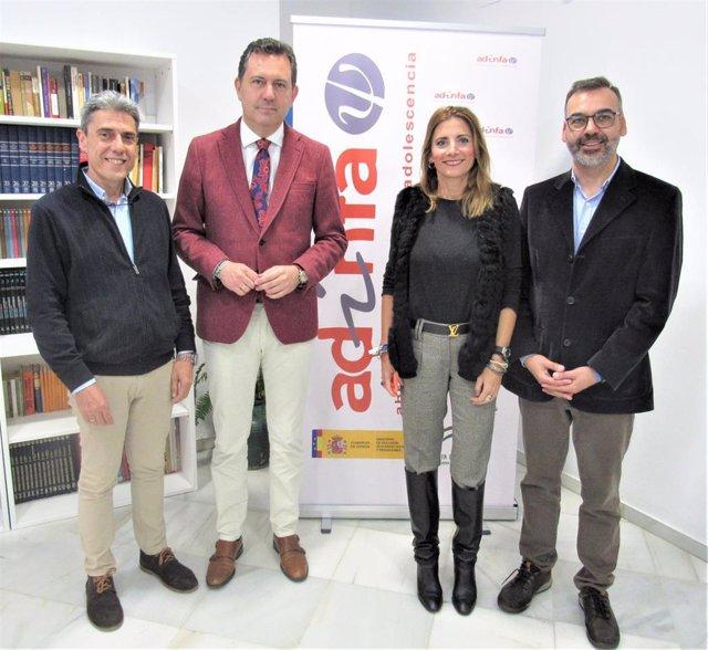 Visita a Adinfa de la secretaria general de Familias, Ana Mata, y el director general de Cuidados Sociosanitarios, José Repiso.