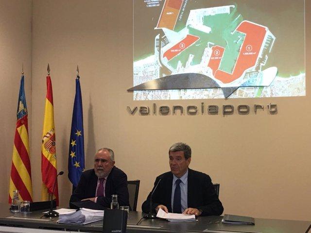 Francesc Sánchez y Aurelio Martínez tras el consejo de administración de la APV.