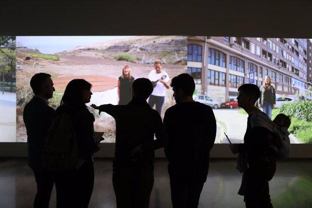 El Centre del Carme Cultura Contemporània de València acoge el último trabajo de las valencianas Art al Quadrat, 'De coros, danzas y desmemoria'