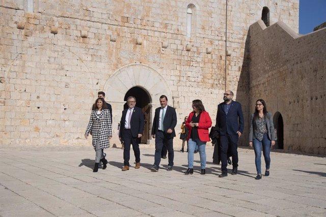 Martí en su visita al castillo de Peñíscola