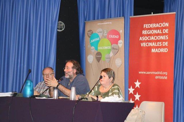 El presidente de la FRAVM, Quique Villalobos, en la asamblea de la Federación.
