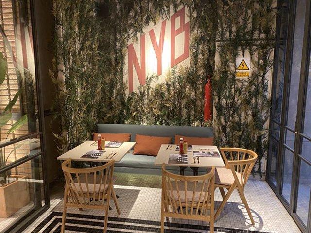 Economía.- La cadena de hamburguesas New York Burger crece en España con su dese