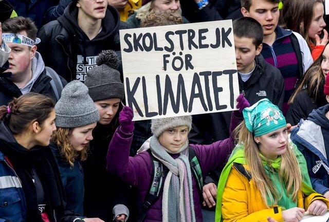 Alemania.- Greta Thunberg se une a más de 20.000 personas en una nueva marcha co