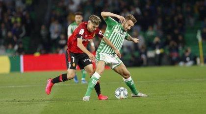 El Betis aumenta sus dudas tras empatar en casa con el Mallorca