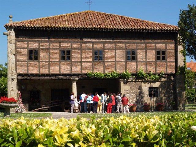 Museo Etnográfico De Cantabria-Casa Velarde, en Muriedas, incluido en el Observatorio de Museos de España (OME)