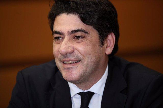 El Consejero de Vivienda de la Comunidad de Madrid, David Pérez, durante una entrevista con Europa Press en su despacho de la Consejería, en Madrid (España) a 19 de febrero de 2020.