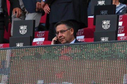 Pitos, pañolada y gritos de 'Bartomeu, dimisión' en el Camp Nou
