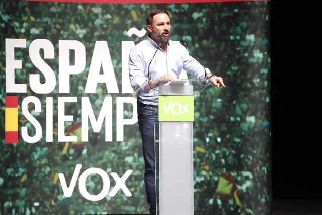 Santiago Abascal, presidente de VOX,  en un mitin de Vox en Vigo en la campaña para las elecciones generales del 10 de noviembre