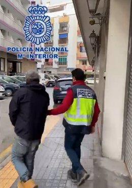 """Nota De Presa:""""La Policía Nacional Detiene A Una Persona Por Intentar Sacar Dinero Con Un Dni Que Había Sustraído En El Interior De Un Vehículo"""""""
