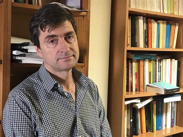 El catedrático de Historia Económica de la UZ, Vicente Pinilla.