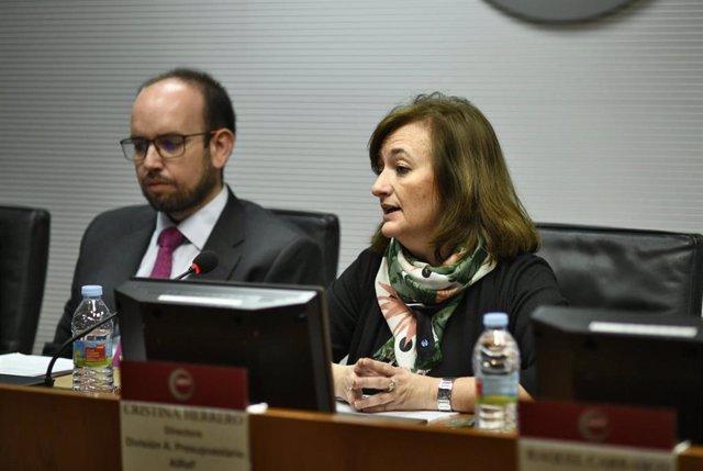 La presidenta interina y candidata a presidir la AIReF, Cristina Herrero, interviene durante una rueda de prensa