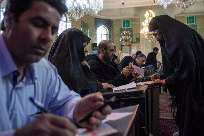 Irán: iraníes votan para elegir un nuevo Parlamento
