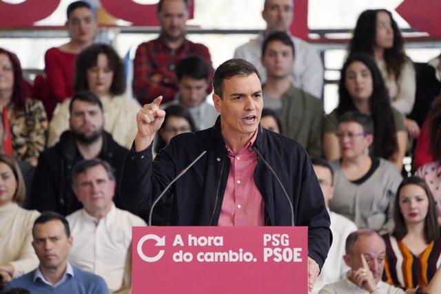 El president del Govern central, Pedro Sánchez, durant l'acte de presentació de la candidatura de Gonzalo Caballero a la Xunta de Galícia, a Santiago de Compostel·la, 23 de febrer del 2020.